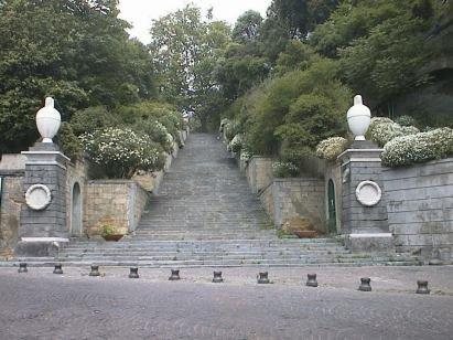 Scalinata di Capodimonte (Napoli)