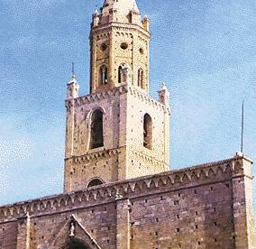 Il campanile della cattedrale di Atri (Teramo)