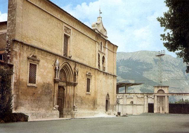 Sulmona: la facciata del Duomo