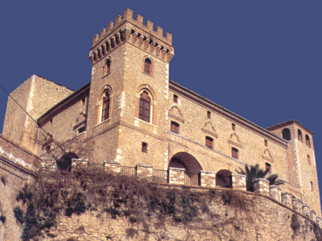 Il castello di Crecchio (Chieti)