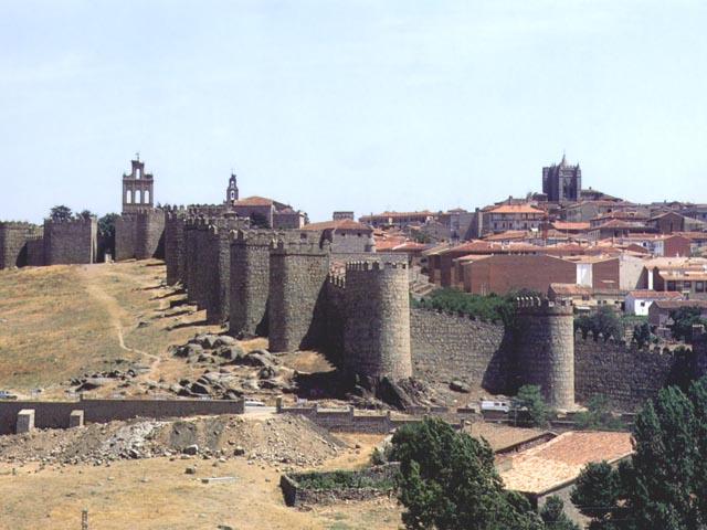 Le mura di Avila, nella Vecchia Castiglia