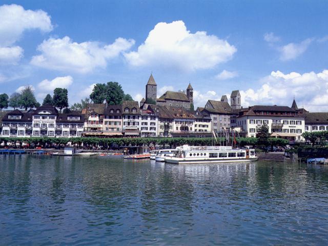 L'antica cittadina di Rapperswil sul lago di Zurigo