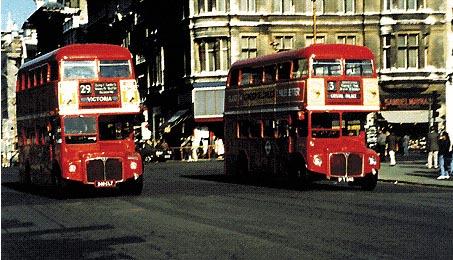 I tipici autobus londinesi