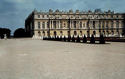 Geografia europa francia for Charles che arredo la reggia di versailles