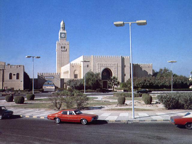 Una via di Abu Dhabi