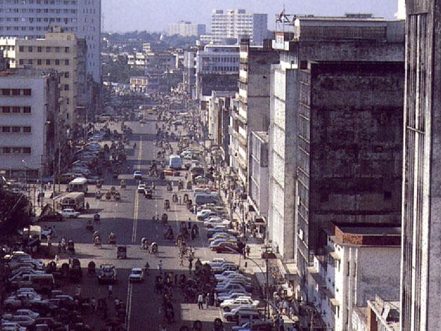Dacca: una via della zona moderna