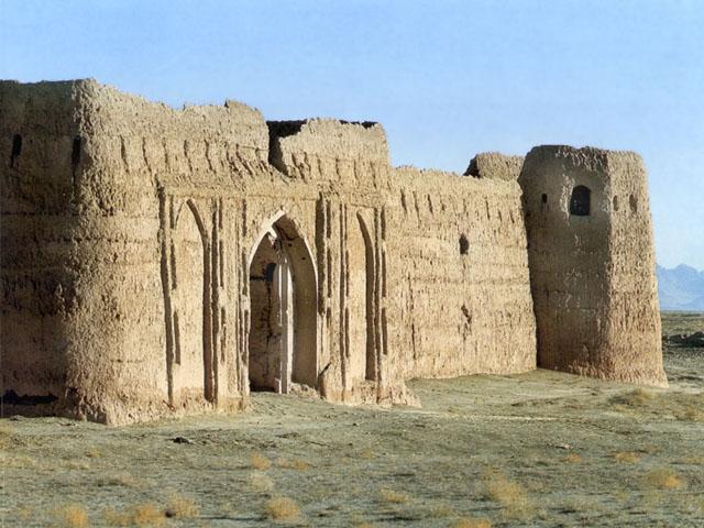 Caravanserraglio nel deserto del Registan